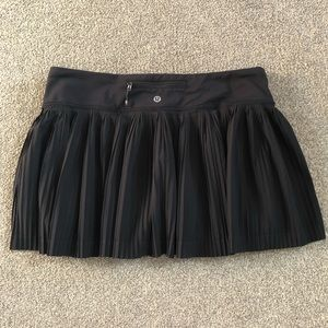 Lululemon 8 Pleat to Street Skirt Lined